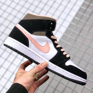 Air Jordan 1 Mid Black Pink Goddess